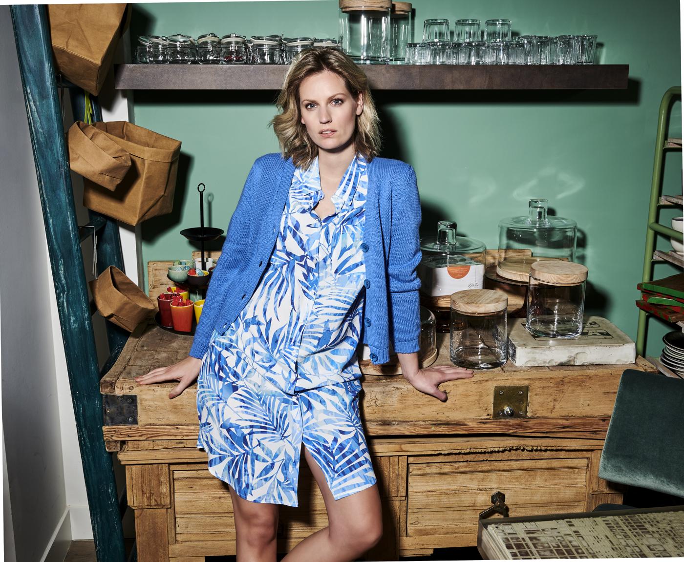Charlotte Bilzen Comme Ca Dress DORIS 03 Blue – Cardigan LAURA Blue